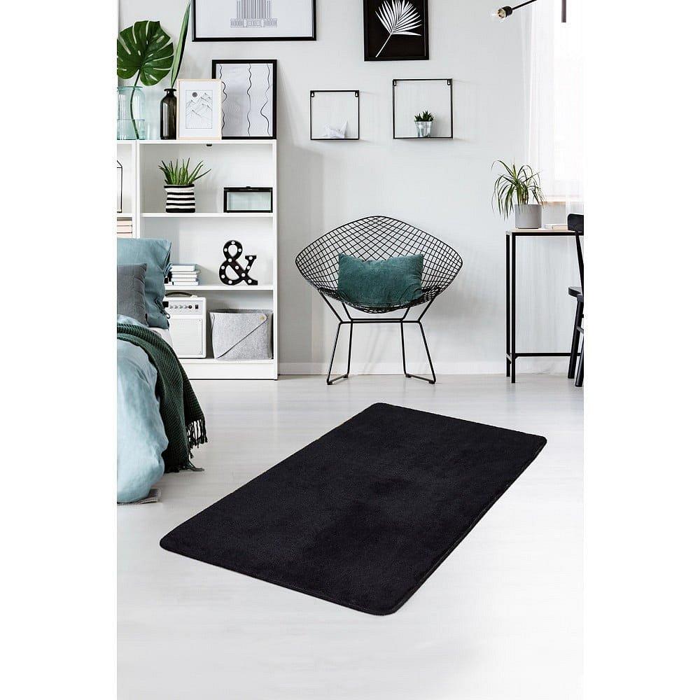 Černý koberec Milano, 120x70cm