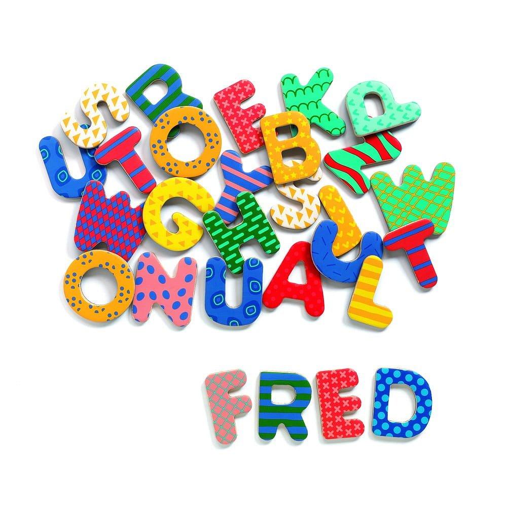 Dětská dřevěná abeceda s magnetickým povrchem Djeco