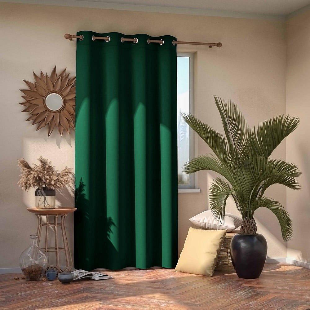 Tmavě zelený závěs AmeliaHome Eyelets Dark Green, 140 x 245 cm