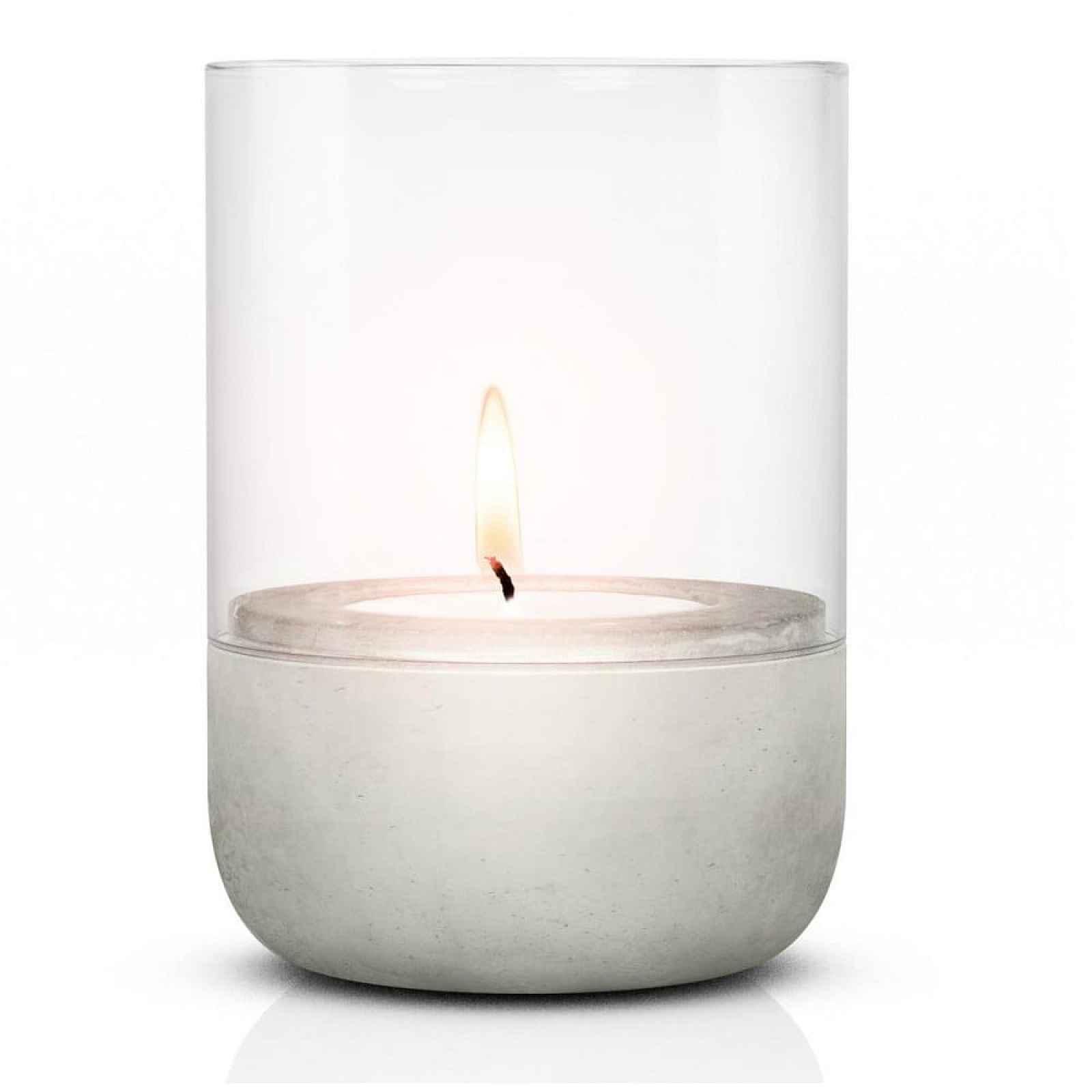 Skleněný svícen s betonovým podstavcem Blomus