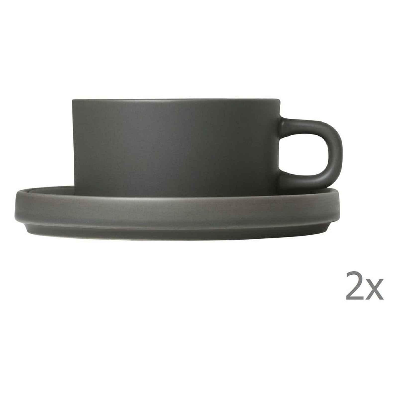 Sada 2 šedých keramických hrnků na čaj s podšálky Blomus Pilar,170ml