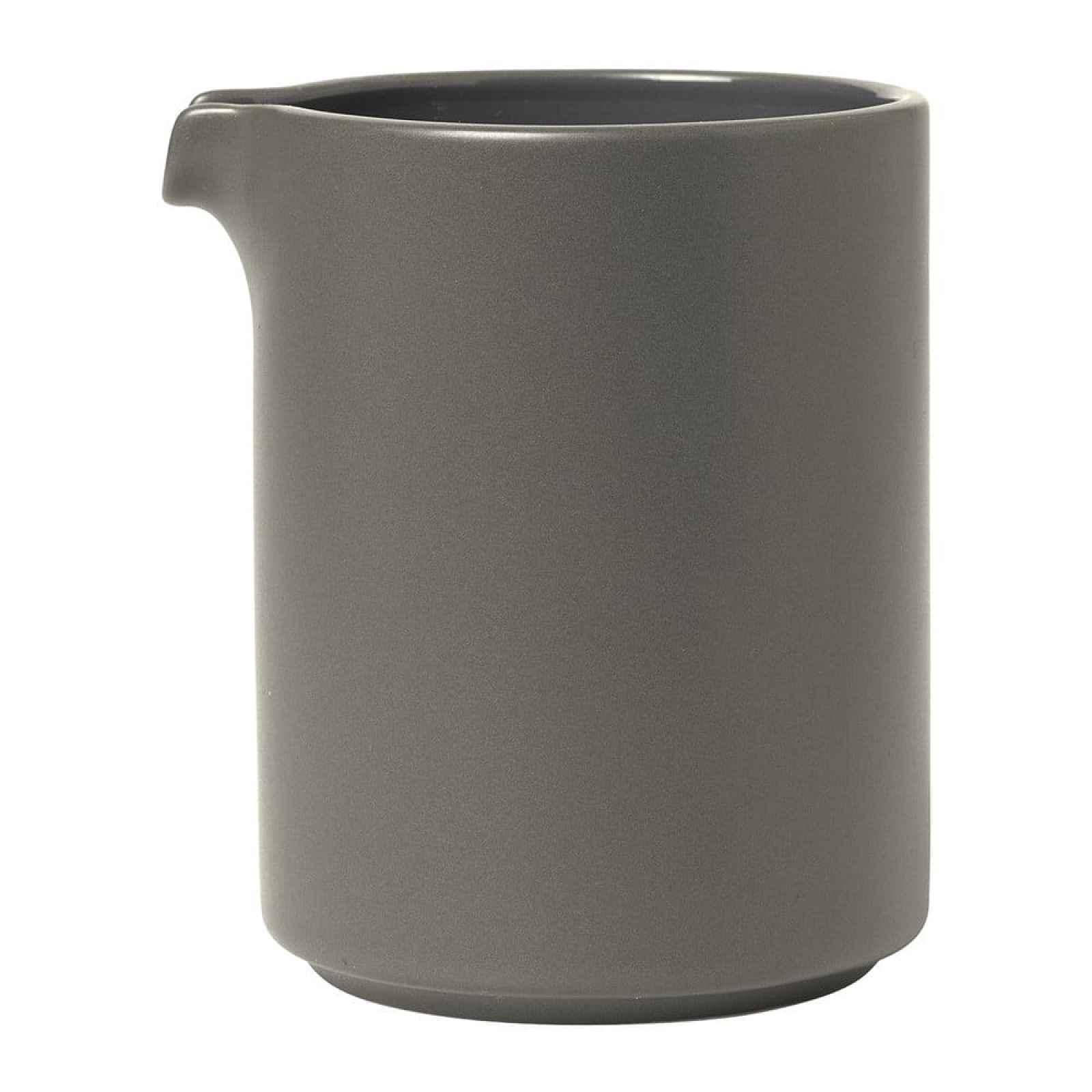 Šedá keramická mléčenka Blomus Pilar,280 ml