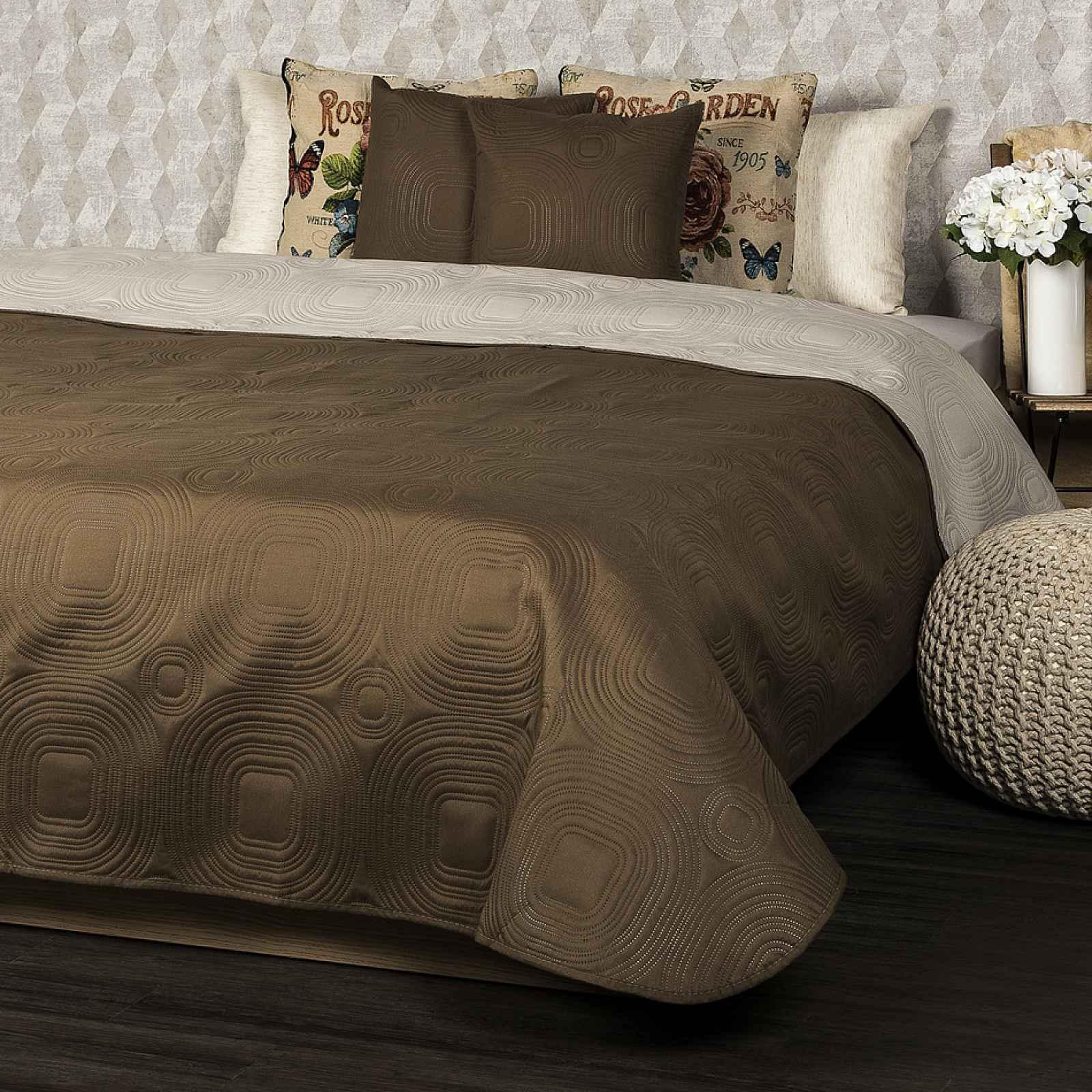 4Home Přehoz na postel Doubleface tmavě hnědá/světle hnědá, 220 x 240 cm, 2x 40 x 40 cm