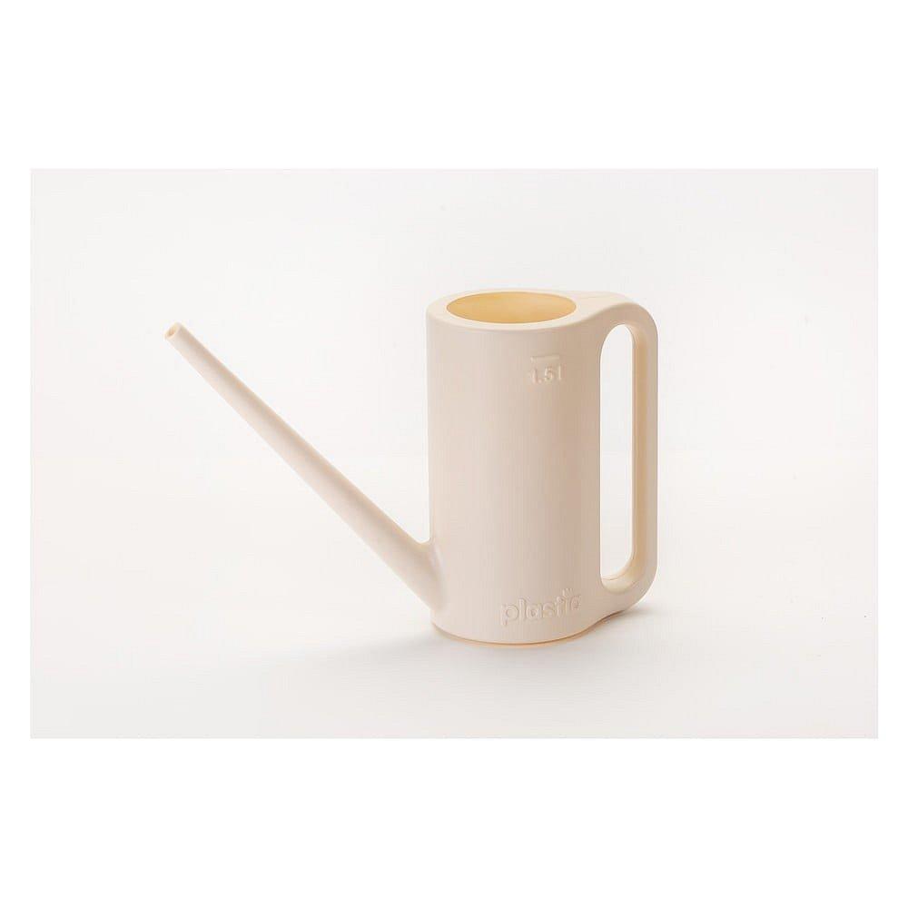 Krémově bílá konvice na zalévání Plastia Max, 1,5 l