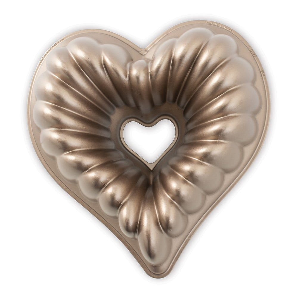 Forma na bábovku ve tvaru srdce v měděné barvě Nordic Ware Heart, 2,4 l